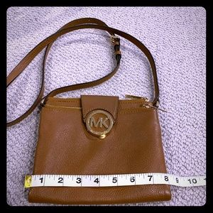 Like new perfect for travel Michael Kors Crossbody
